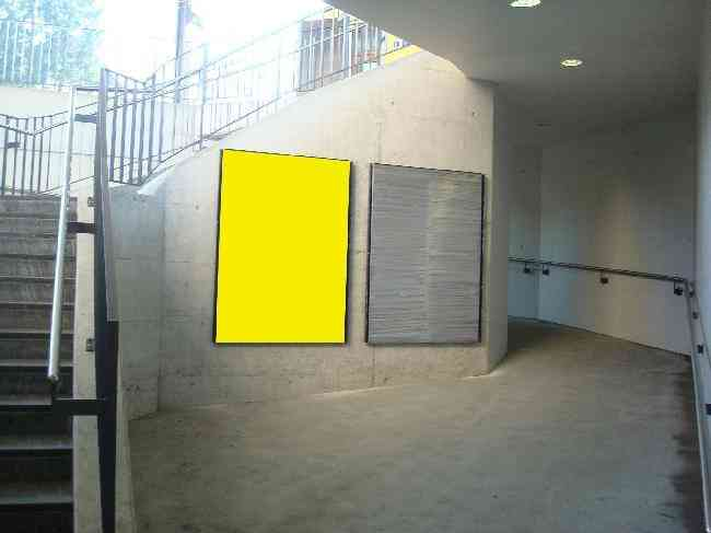 110 Unterfuhrung Fussganger Treppe Bahnhof L